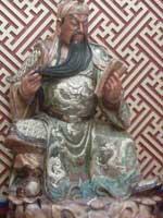 今年6月1日に撮影した立川中華街の関帝像
